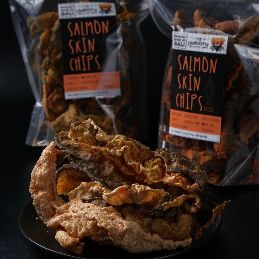 SALMON SKIN CHIPS GRILLED CORN